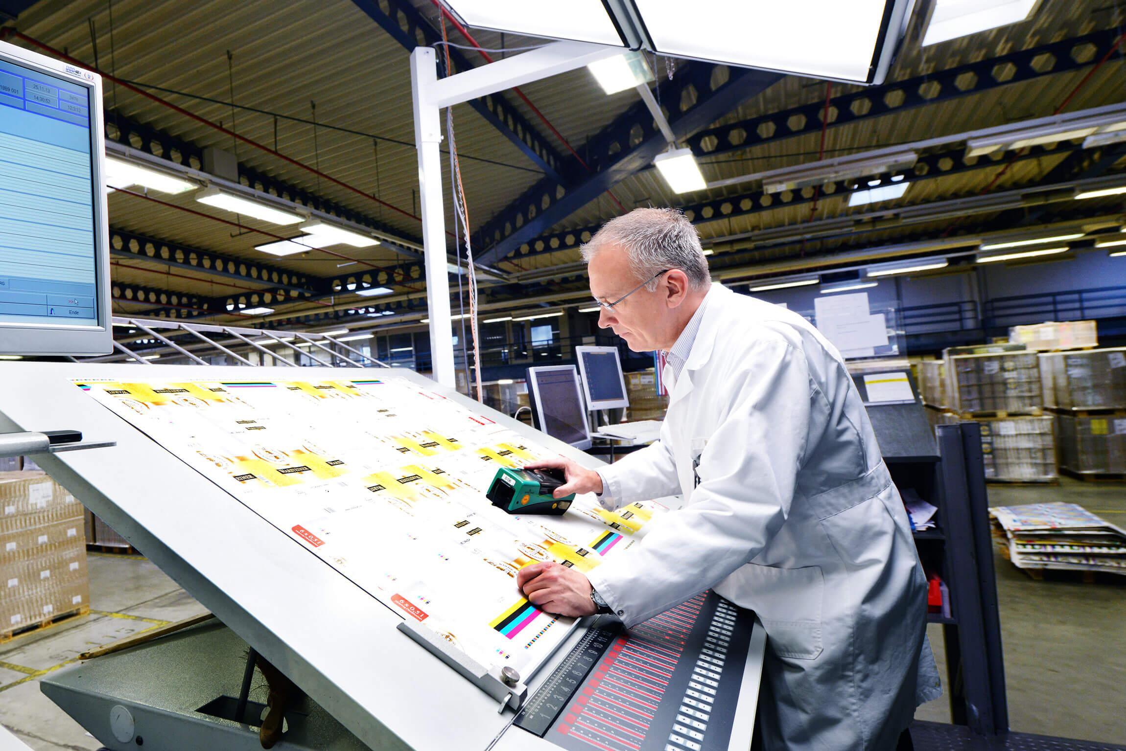 Kolorit Bremen Drucküberwachung Qualitätskontrolle